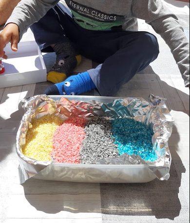 Actividades con niños - arroz tintado