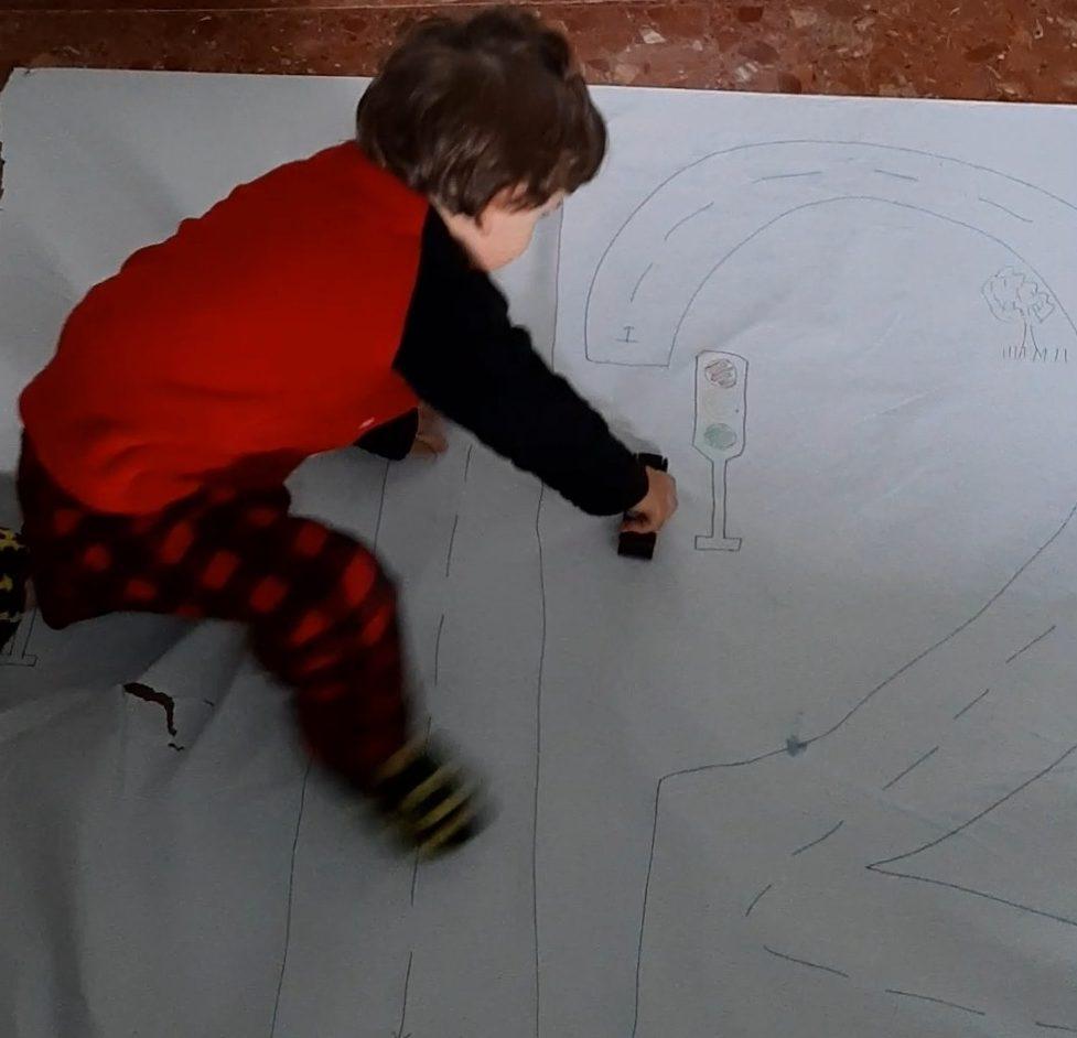 Actividades para niños en casa - circuito coches