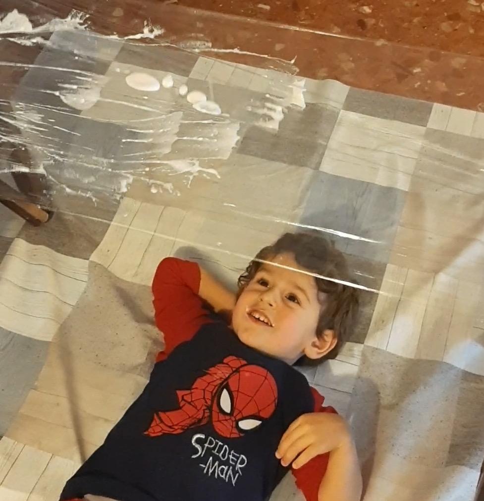 Actividades para niños en casa - papel film